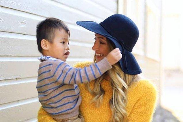Çift, evlat edindikleri Çinli çocuklarına Huxley ismini verdiler. Huxley eve geldiğinden itibaren ise çift, evlat edinme ve çocuk bakımı hakkında birçok video içeriği ürettiler.