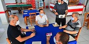 Kahvehanede Cep Telefonlarıyla Okey Oynayan Yurdum İnsanları