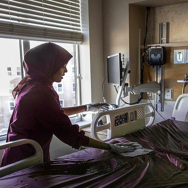 Geçmişte 7 ay bir hastanede oda temizliği alanında çalışan Halima Aden, içinde bulunduğumuz bu dönemde sağlık çalışanlarına destek olmak için yeni bir proje başlatıyor.