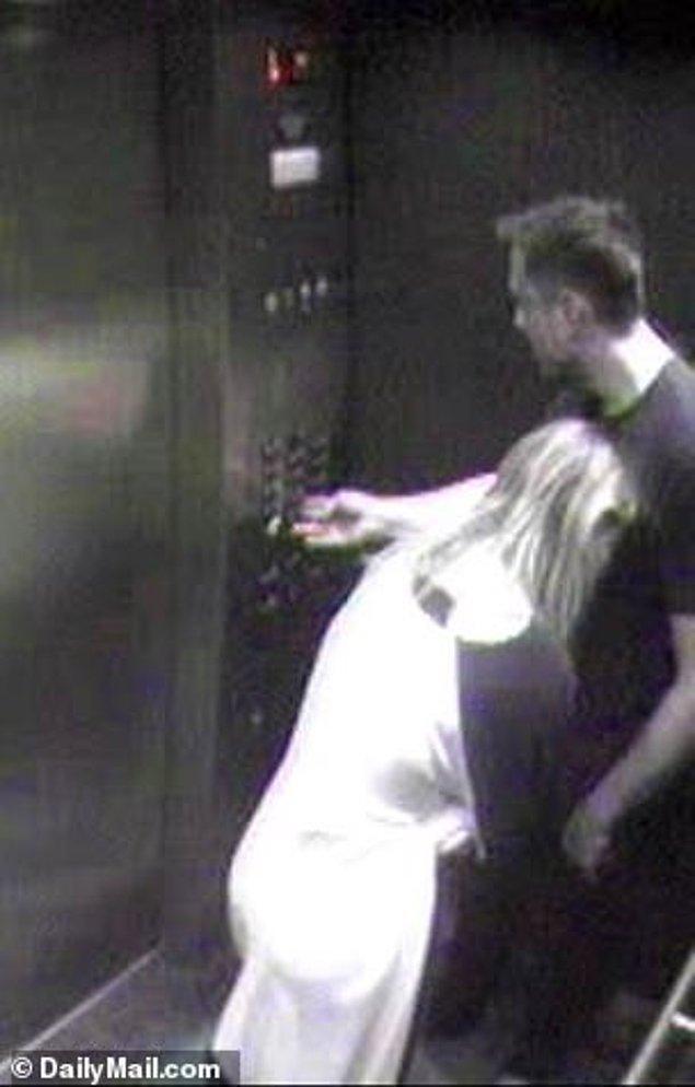 Depp iddialarla kalmayıp dava dosyasına dahil edilmesi için kendi evinin asansöründe çekilen fotoğrafları da paylaştı.