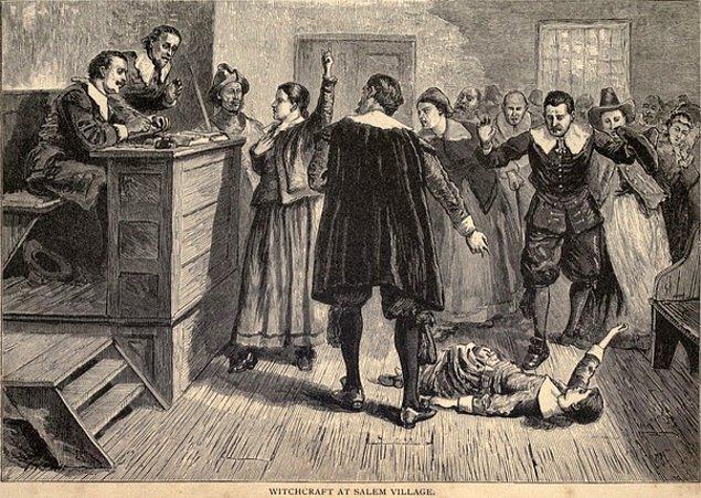 12. Cadılar Salem'de kızaklara bağlanıp yakılmadı.