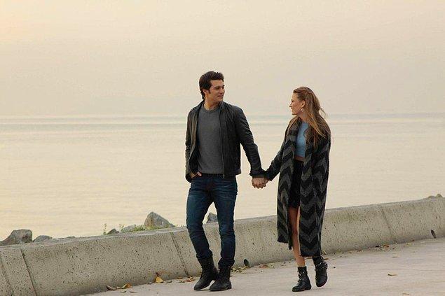 """21. """"Bir erkek beklemediğim bir anda elimi tutuyorsa, inanılmaz derecede yükseliyorum."""""""