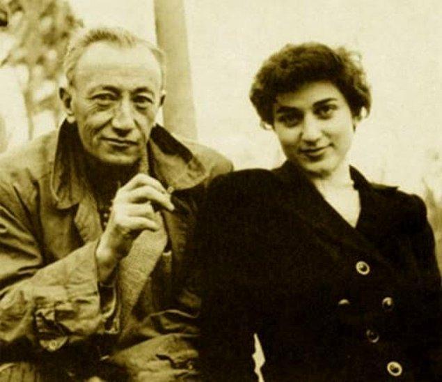 Sait Faik'e olan hayranlığı 1953 yılında bir dostluğa dönüştü. Sait Faik'in onu düzyazıya yönelten isim olduğunu söyleyen Erbil, gözündeki perdeyi indiren kişinin de o olduğuna inanıyordu.