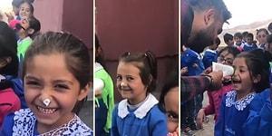 İlkokul Çocuklarının Burunlarına Krem Sürerek Mutluluk Dağıtan Öğretmen