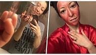 Vücudundan Utanç Duymadığını Göstermek İçin Regl Kanıyla Çiçekleri Sulayan, Resim ve Maske Yapan Kadın