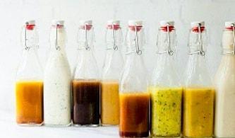 Sofralarda Salatanızı Başrole Taşıyacak Birbirinden Güzel 11 Salata Sosu Tarifi
