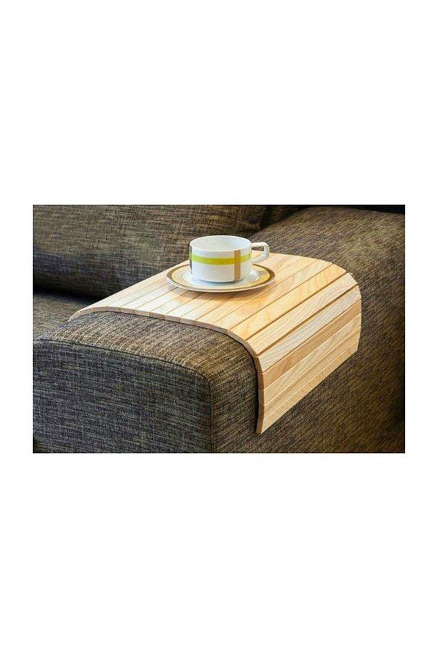 19. Bir sehpa yerine koltuk kenarına koyabileceğiniz bu ürünü de tercih edebilirsiniz.