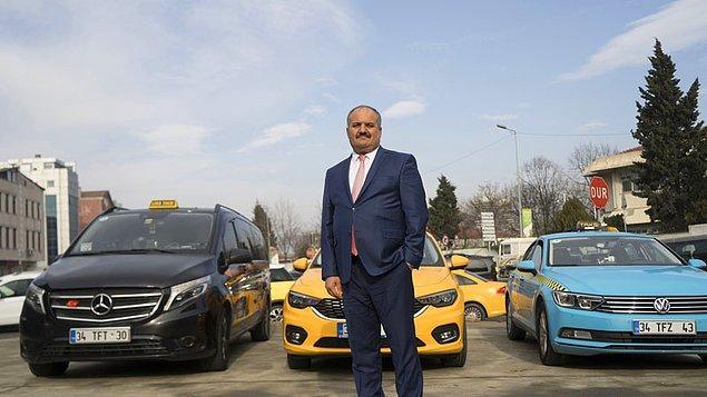 Bu sefer de İstanbul Taksiciler Odası Başkanı Eyüp Aksu'nun yaptığı açıklamayla gündemdeler. Aksu, artık taksilerde puan sisteminin uygulanacağını, notunu yükseltmek isteyen şoförler arasında tatlı bir rekabet başlayacağını söyledi.