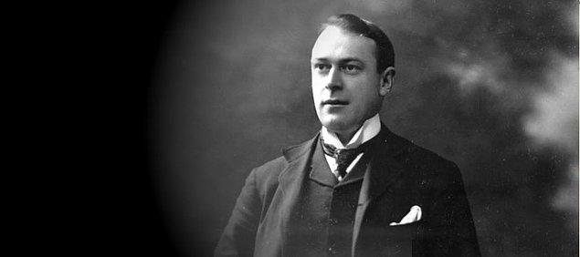 6. Titanik gemisinin yapımında baş mühendis olarak görev alan Thomas Andrews, 1873'te dünyaya geldi, 1912'de ise hayatını kaybetti. Hem de tasarımı bizzat kendisine ait olan Titanik'te...