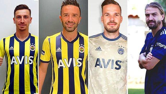 Harcama limiti krizini aşmaya çalışan Fenerbahçe'de ''Sevgi limit tanımaz! Biz Fenerbahçeyiz'' sloganıyla transferleri peş peşe duyurdu.