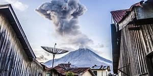 Endonezya'da Sinabung Yanardağı'nın Patlaması Sonucunda Ortaya Çıkan Görüntüler