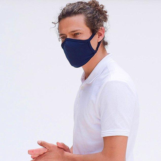 14. Lavicert bir takım, bu lacivert maske: Jilet gibi bir bey!