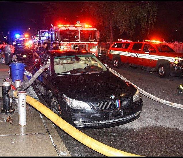 12. Bir dahaki sefere yangın musluğunun dibine park etmemeyi öğrenir en azından...