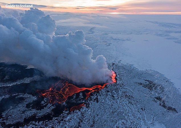 1. Geçtiğimiz 500 yılda İzlanda'da patlayan yanardağ sayısı global patlamaların üçte birini oluşturur.