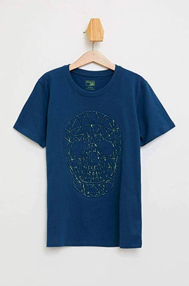 20. Erkek çocukları için oldukça şık bir t-shirt.