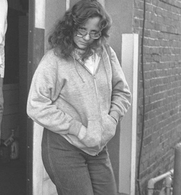 1984 yılında ise çıktıkları bir araba yolculuğunda Colleen kaçmayı başarınca, Cameron'ın eşi olan Janice Hooker polislere bütün olan biteni anlatmıştır.