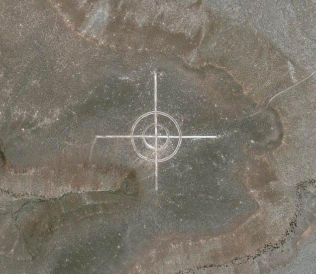 14. Nevada'da gizemli bir hedef işareti.