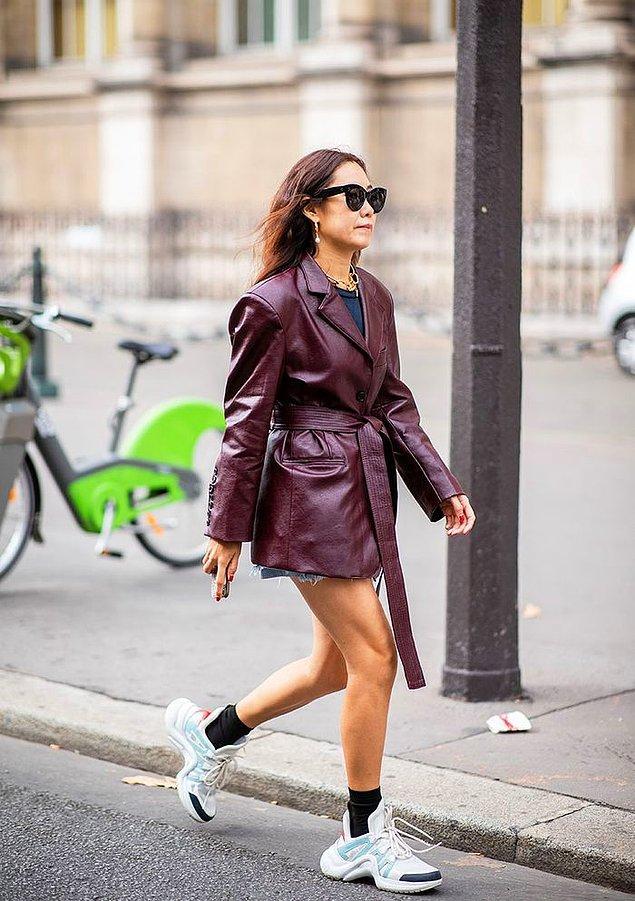 Moda dünyasında son 3 yıldır hakim olan çirkin ayakkabı trendinden bahsetmeye gerek yok.