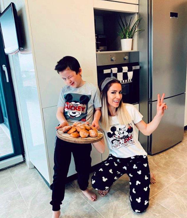 4. Yaşam koçu Melis Dilmener de yarattığı blogunda oğlu Emir'le birlikte adım attığı yeni yaşamına dair, annelikle ilgili tecrübelerini, gözlemlerini yazıyor.