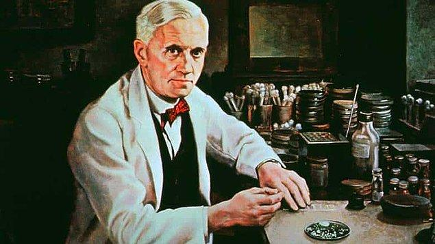 1928 yılında tatilden sonra Londra'daki laboratuvarına dönen Alexander Fleming, burada bir petri kabında oluşan büyümeyle karşılaştı.
