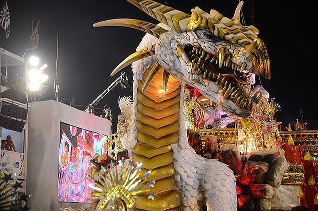 15. Brezilya karnavalları ülkeye her yıl milyonlarca turist çeker.