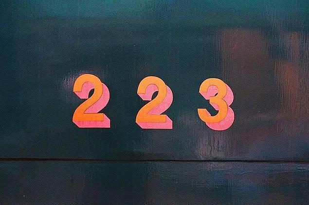 3. Katilin illerin plaka kodunu Fibonacci serisi üzerinden tersten takip ettiğini anladın! Sıradaki soru! Bu 5 sayıdan bir tanesi, diğerleriyle pek geçinemiyor. Hangisi sence?
