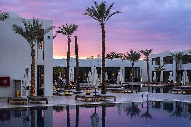 Turizmin durduğu bu dönemde, Fragrance Group'tan Koh Wee Meng ve M&L Hospitality'den Michael Kum gibi otelcilerin ise servetleri azaldı.
