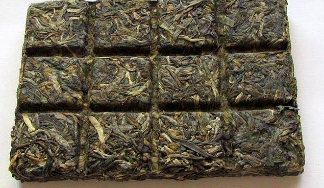 9. 9.yy'dan Birinci Dünya Savaşına kadar çay tuğlaları Tibet, Rusya, Moğolistan ve Çin'de para olarak kullanıldı.