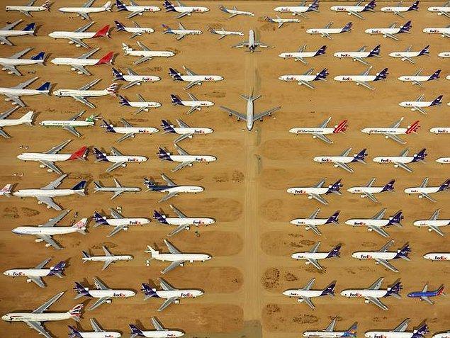 Dünyanın en büyük uçak mezarlığı ise Kaliforniya'da bir çölde!