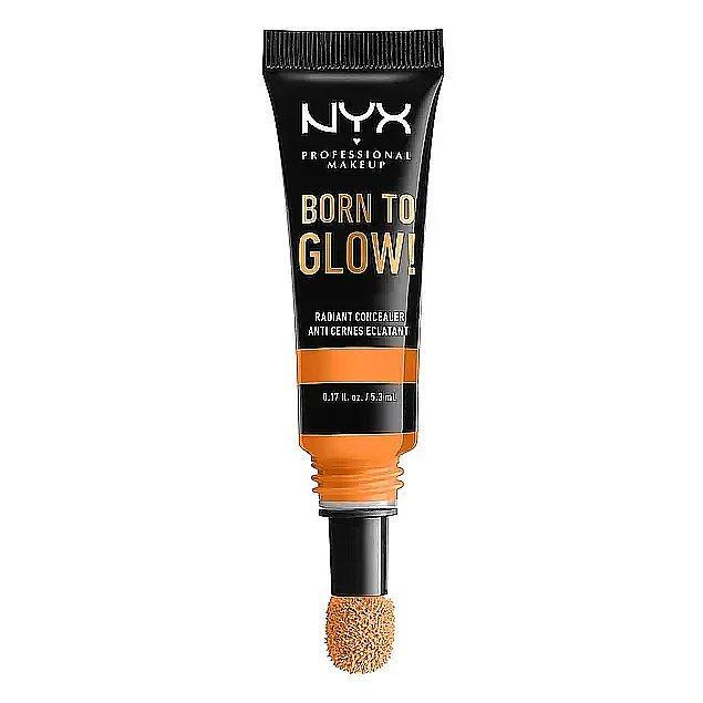 10. Cildine uyumlu renk tonunu uygulayarak cildindeki izleri kapatmayı sağlayabilir, aynı zamanda istediğin aydınlık görünüme kavuşabilirsin.