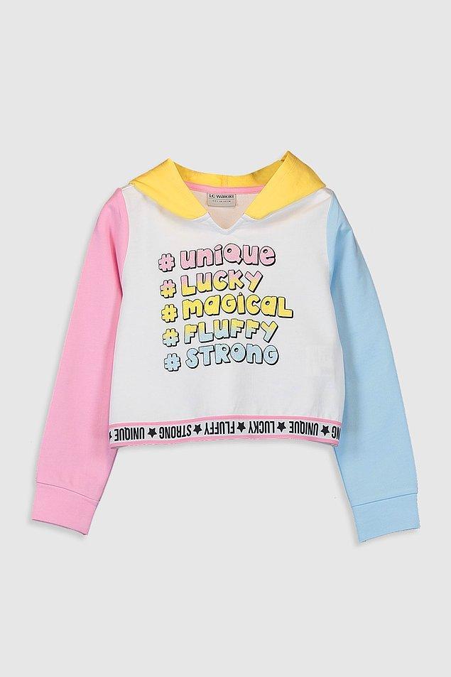 10. Bu sweatshirt'ü neredeyse her renk pantolonla rahatlıkla kullanabilirsiniz, jeanlerle de çok güzel olacaktır. Fiyatı 39 TL ve 14 yaşa kadar bedeni mevcut.