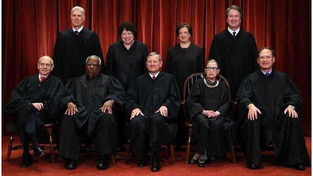 Ginsburg'un ölümüyle Cumhuriyetçilerin başkanlık seçiminden önce kendi adaylarını seçtirmesi halinde, mahkemedeki güç odağı tamamen muhafazakârlara doğru kayacak.