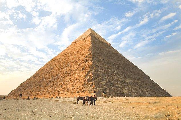 5. Bilinenin aksine piramitler köleler tarafından değil, paralı işçiler tarafından inşa ediliyordu.