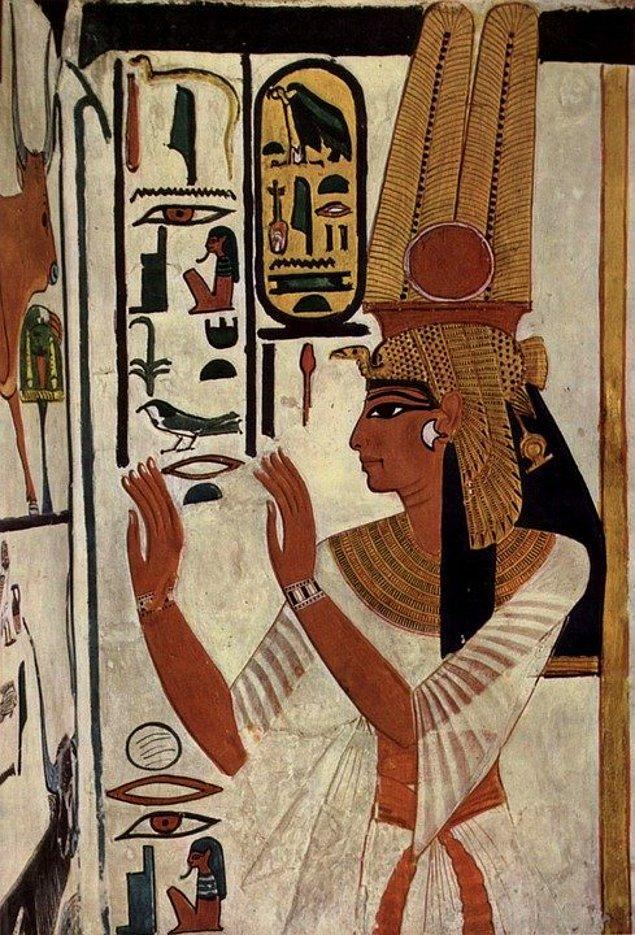12. Mısırlılar penislin kullanan ilk insanlardır.
