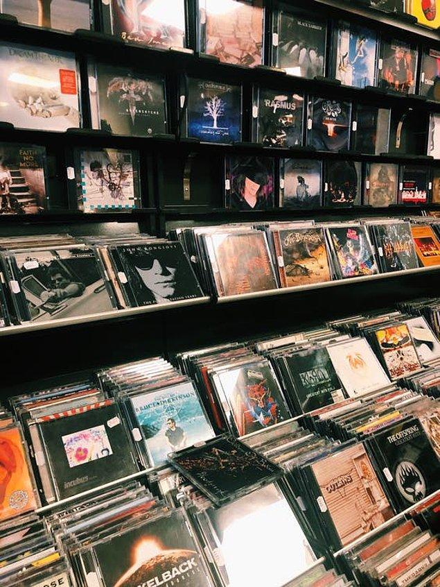 9. Müziğin tek kaynağı CD'ler...