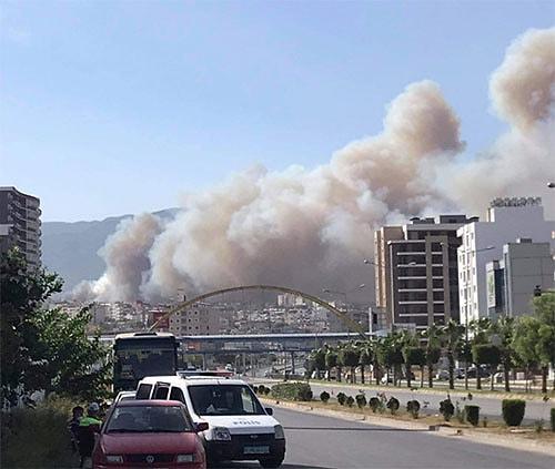 Polisten Tahliye Anonsu: Hatay'da Orman Yangını Yerleşim Yerlerine Sıçradı  - onedio.com