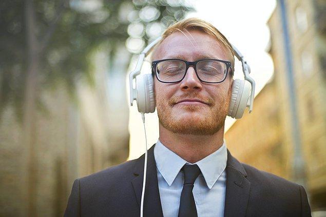 15. Müzik dinleyin.