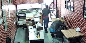 İzmir Depremi Sırasında Ne Yapacağını Bilemeyen Adamın Dışarıdan Gelip Korkudan Binanın İçine Saklanmaya Çalıştığı Anlar