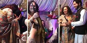 Damada Düğün Hediyesi Olarak AK-47 Keleş Veren Kadın