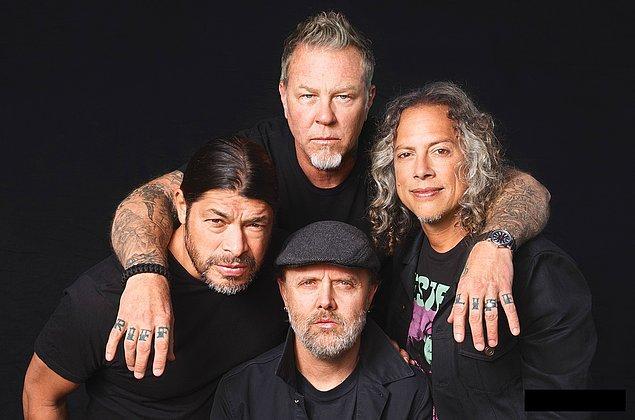 """7. """"Stone"""" alı kulüpte """"Spastic Children"""" olarak çıktıkları konserde James ve Kirk repertuarı çıplak çalmaya niyetlenmiş fakat kulüp yöneticileri """"kulüp kapatılır"""" uyarısı yaptıktan sonra iç çamaşırlarıyla çalmışlardır."""