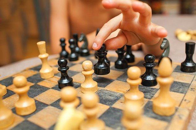 6. Ermenistan'daki okullarda satranç öğretilir.