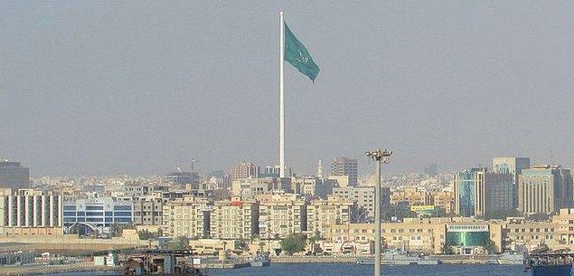 27. Dünyanın en uzun bayrak direği Suudi Arabistan'dadır.