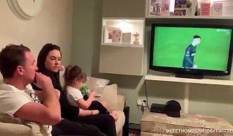 Doktorların 'Bir Daha Yürüyemez' Dediği Çocuğunun İlk Futbol Maçına Çıktığı Anda Gözyaşlarına Boğulan Babası