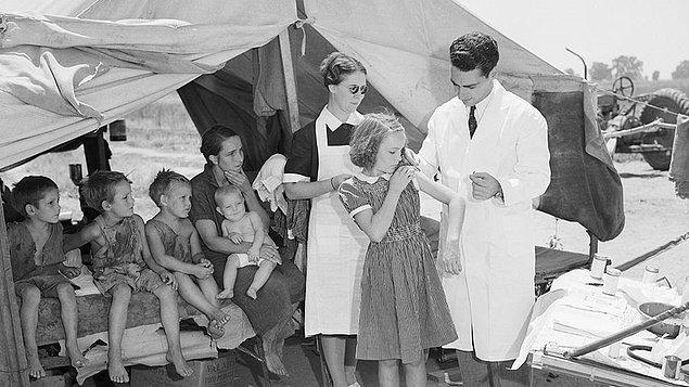 Aşıların topluma uygulanması için gereken tek kriter aşının etkinliği değil yani.