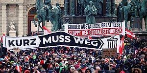 Avusturya'da Binlerce Vatandaş Korona Önlemlerini Protesto İçin Sokağa Çıktı