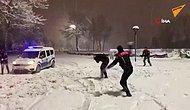 Sakarya'da Etkili Olan Kar Yağışı Sonrası Polis Ekiplerinin Keyifli Kar Topu Eğlencesi