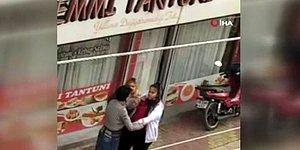İki Kadın, Telefon Numaralarını İsteyerek Taciz Eden Erkeği Evire Çevire Dövdü