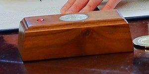 ABD'nin Yeni Başkanı Biden, Trump'ın Kırmızı Düğmesini Oval Ofis'ten Kaldırttı! Peki Düğme Ne İşe Yarıyordu?