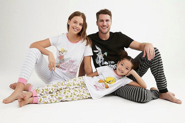 10. Çocuk ruhun kaybolmadıysa, ailenle birlikte rahat pijamalarınızla zamanda yolculuk yapabilirsin.