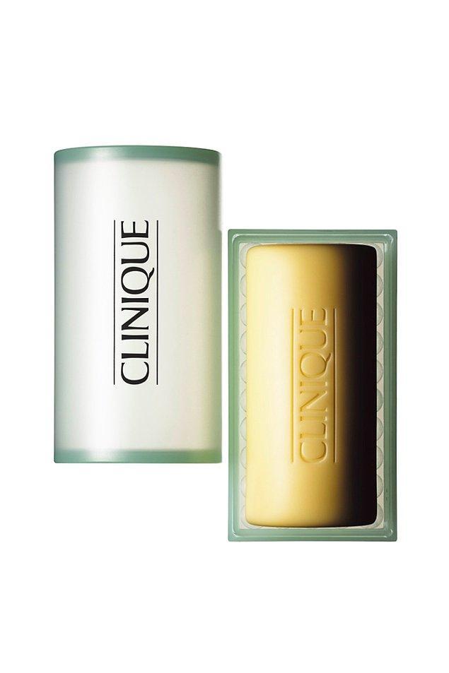Clinique marka yüz sabunu da yağlı ciltler için önereceğim bir diğer ürün.